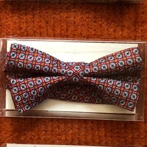 Bow ties : clip on